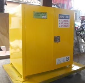 flammable storage cabinet_lemari penyimpanan bahan kimia mudah terbakar - Copy (2)