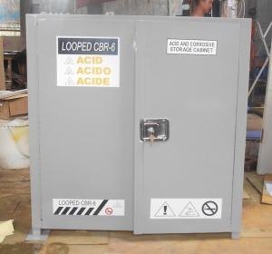 lemari penyimpanan bahan kimia_bersifat asam